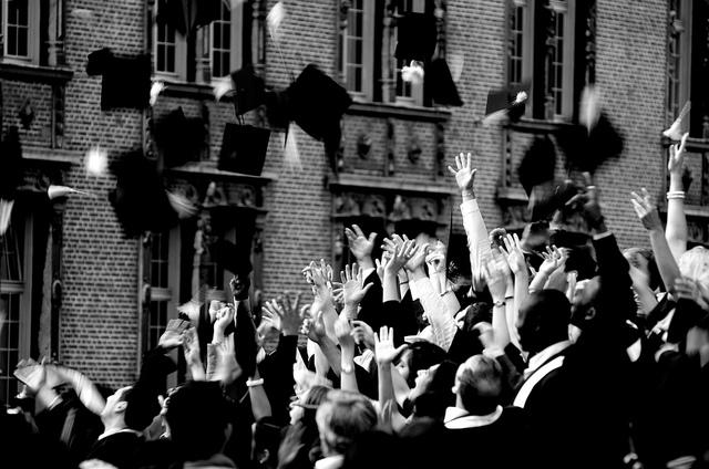 millennials-graduate