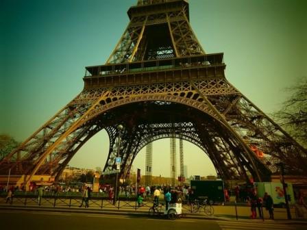 paris-vacation-eiffel-tower